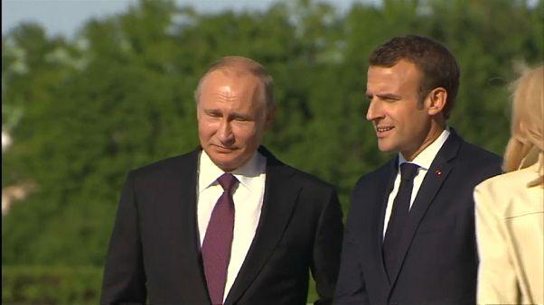 Putin-Macron, la pace di San Pietroburgo
