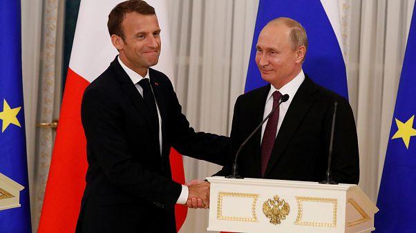 Συνάντηση Πούτιν - Μακρόν στην Αγία Πετρούπολη