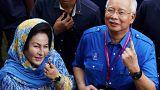 Pénzzel tömött táskákat találtak a malajziai ex-kormányfő gyerekeinél