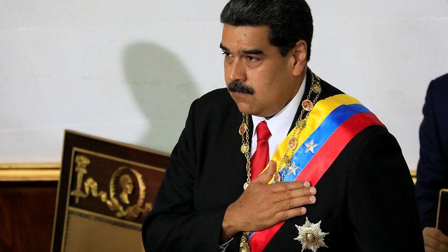 Maduro jura el cargo y augura 'graves y dolorosas dificultades'