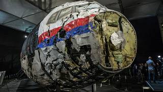 Reconstituição do avião comercial MH17 abatido no leste da Ucrânia
