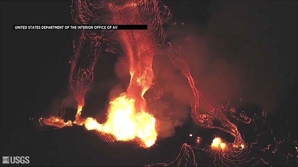 شاهد بركان كيلاويا يتشكل في صورة وحش عملاق