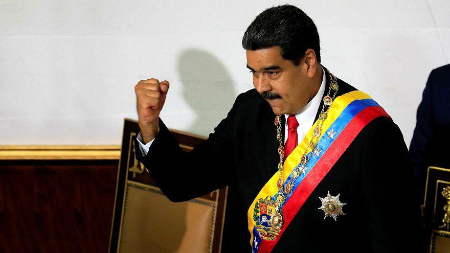 مادورو يؤدي القسم الدستوري قبل ستة أشهر من موعده الرسمي