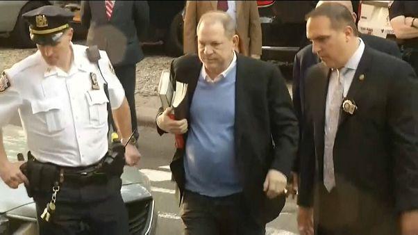 Harvey Weinstein New York'ta polise teslim oldu