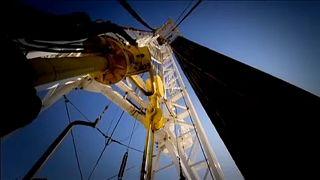 Az OPEC és Oroszország az olajtermelés bővítéséről egyeztet