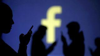 Facebook обвинили в шпионаже через мобильные приложения