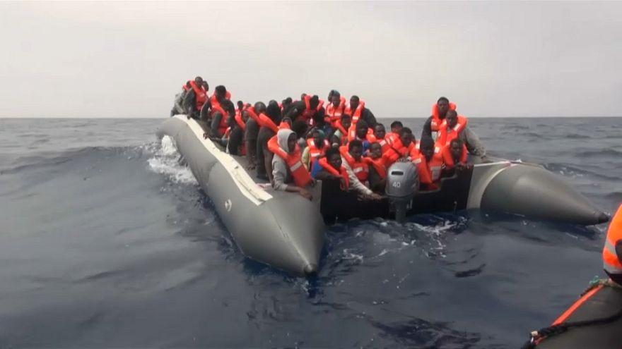 Migranti, dimezzati gli sbarchi in Europa