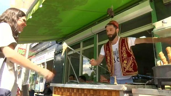 Мороженое из орхидей для немцев