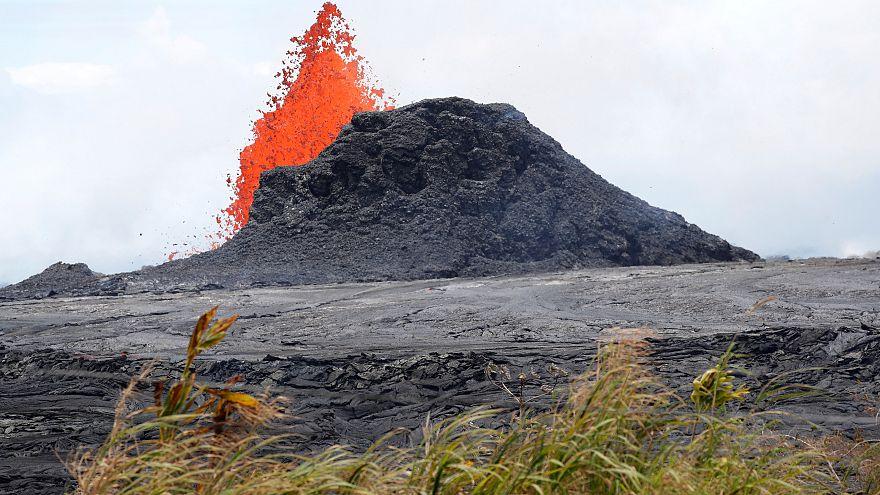 Hawaï : le flot de lave du Kilauea ne tarit pas