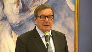Schröder: semmi értelme ellenezni az Északi Áramlatot