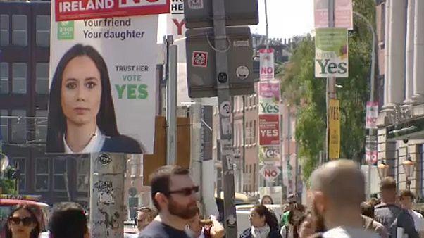 Az abortusztörvény lazítására szavaztak az írek