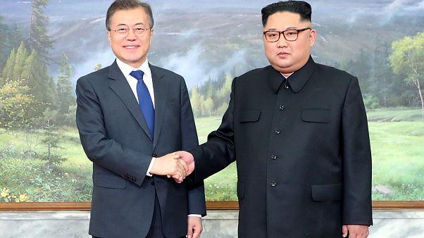 Incontro a sorpresa tra i due leader coreani