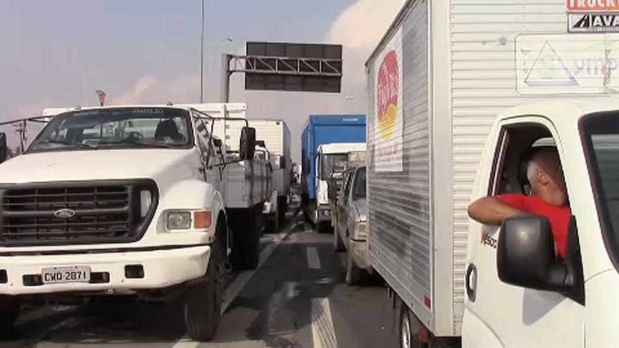 Halálos áldozata is van a brazil útblokádnak