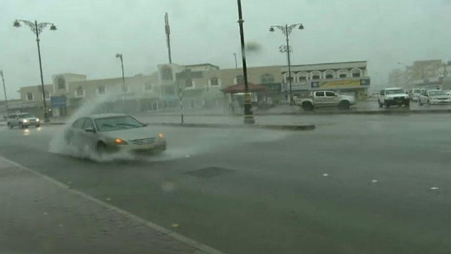 Ciclone Mekunu passa a tempestade tropical