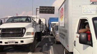 Brasil envía al ejército para despejar las carreteras