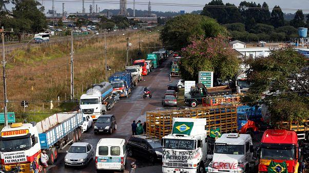 Le Brésil paralysé par la grève des routiers