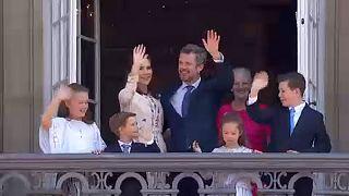 Isten éltesse a dán királyi herceget!