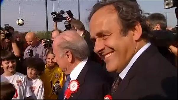 Michel Platini com Joseph Blatter