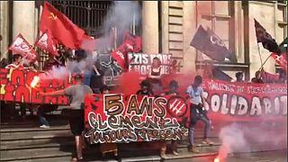 Francia in piazza contro le riforme Macron