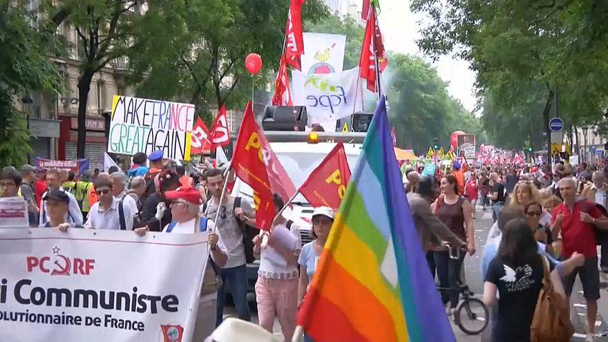 Протесты против политики Макрона