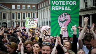Δημοψήφισμα στην Ιρλανδία: «Ναι» από το 66,4% στις αμβλώσεις