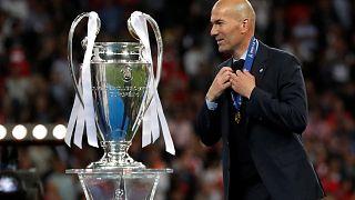 الفرنسي مدرب ريال مدريد الإسباني زين الدين زيدان