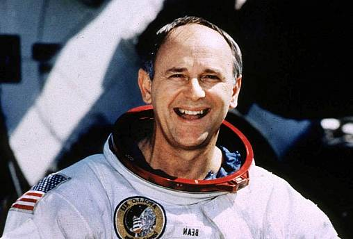 Alan Bean, 4th man on the moon, dies aged 86