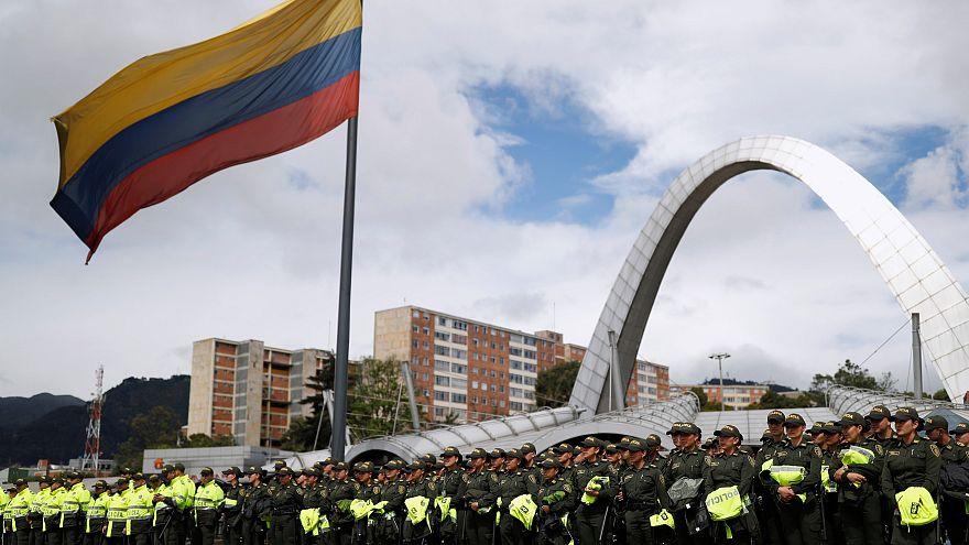 """الكولومبيون يختارون رئيسا جديداً، مع """"انقسام"""" اليسار و""""فساد"""" اليمين!"""