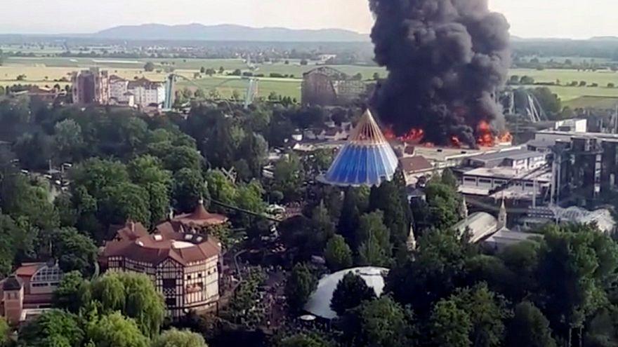 Wieder offen: Europapark Rust nach spektakulärem Feuer mit 7 Verletzten