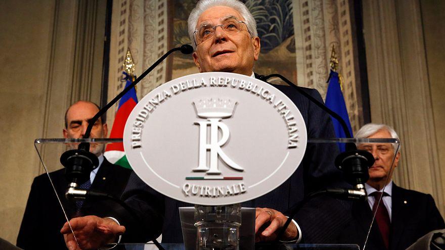 Presidente Sergio Mattarella a falar no palácio presidencial