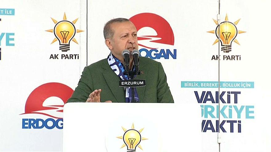 Erdoğan pede aos turcos para trocar dólares e euros por liras
