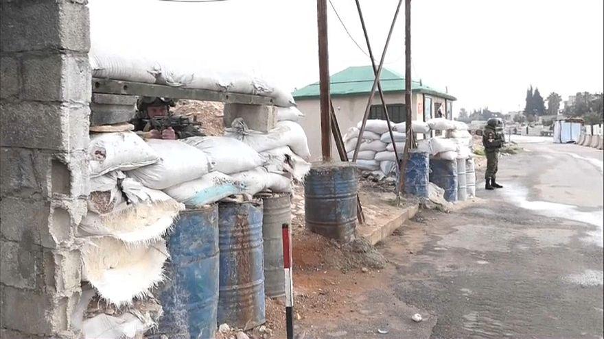Forças do regime sírio e combatentes russos mortos em ataque do Daesh