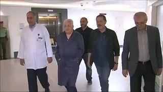 Nem engedik ki a kórházból Mahmud Abbászt