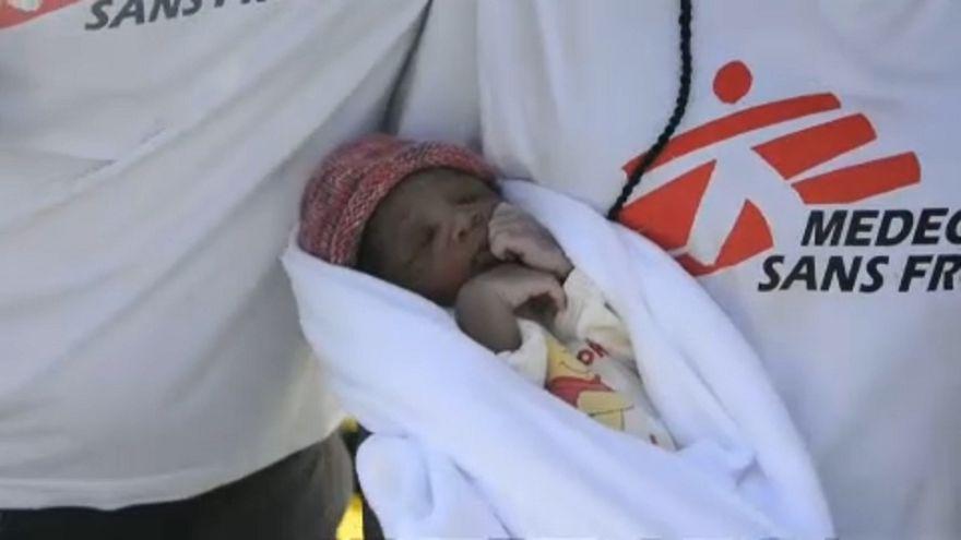 « Miracle », un bébé migrant né en mer