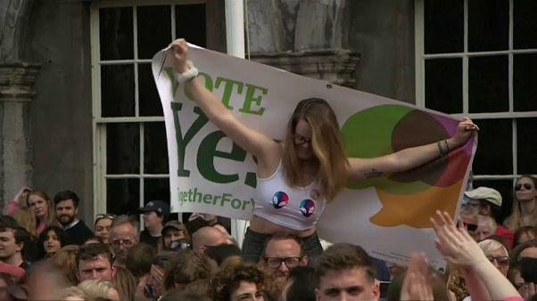 L'Irlanda in festa dopo il voto sull'aborto