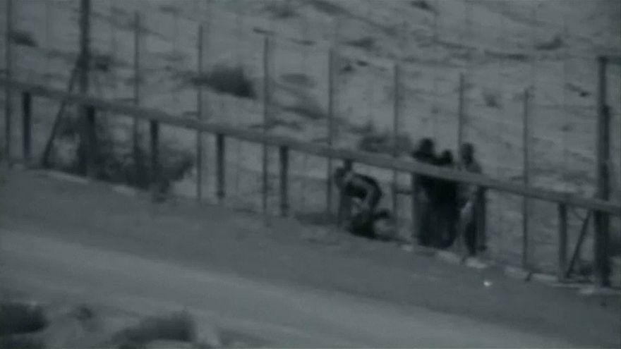 شاهد: عبور ثلاثة فلسطينيين للسياج العازل ومقتلهم برصاص الجيش الإسرائيلي