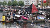 Auf dem Floß und mit Musik: #b2705 in Videos und Tweets