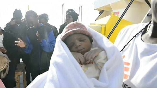 El niño Milagro nació en el Mediterráneo