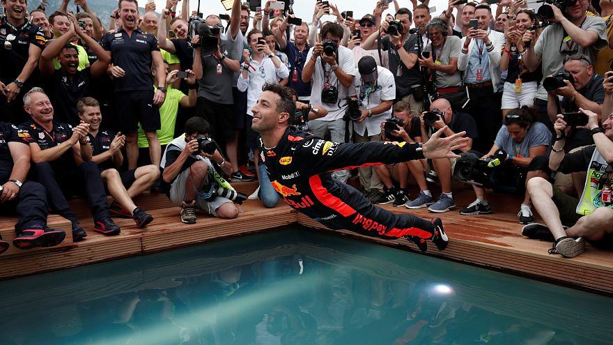 Daniel Ricciardo celebra vitória no GP do Mónaco em Fórmula 1
