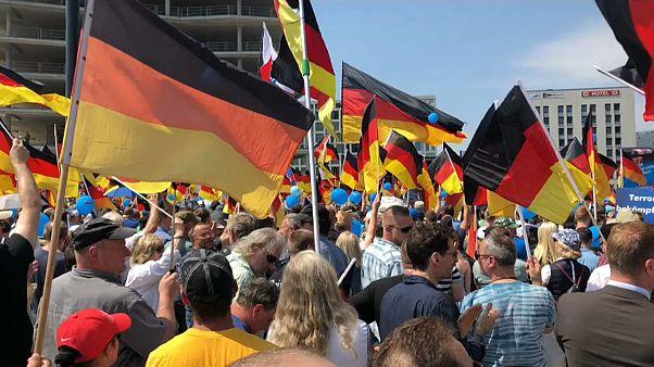 Berlim sai à rua contra e a favor da inclusão