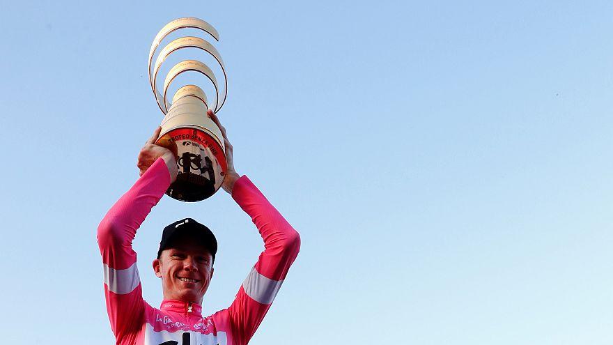 Giro: Froome nella storia del ciclismo, le buche di Roma anche