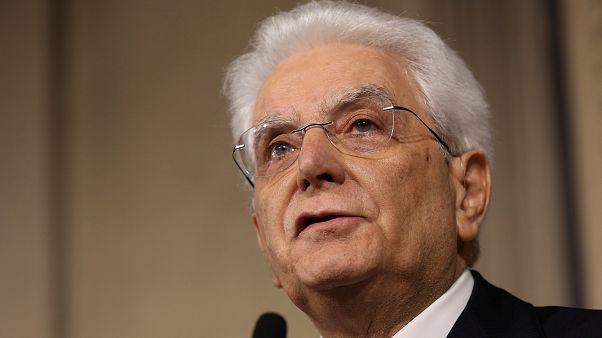 Mattarella afronta su destitución como presidente de Italia