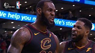 Los Cavaliers de LeBron James en la final de la NBA