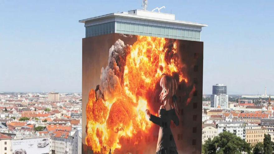 Schockbilder verhüllen Wiener Ringturm