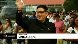"""Un """"Kim Jong Un"""" radieux dans les rues de Singapour"""
