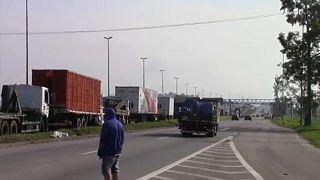 Brazília: letörték a tüntetők a gázolaj árát