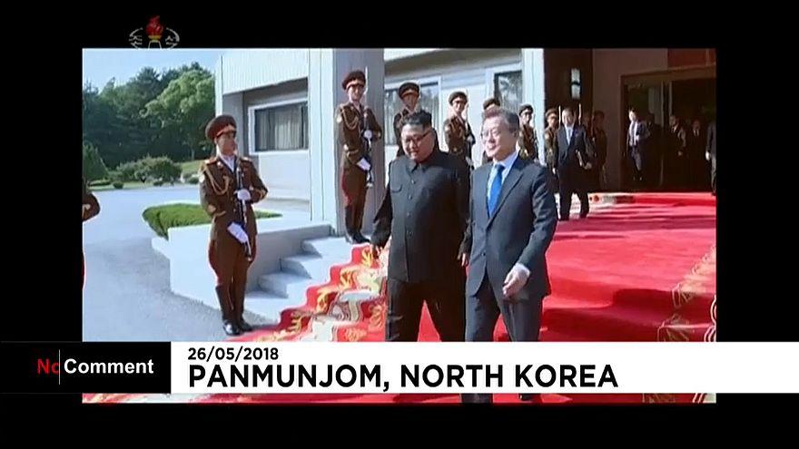 Rencontre surprise entre les deux dirigeants coréens