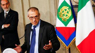 """Quirinale, incarico a Cottarelli. Il suo discorso: """"Governo per portare Italia a nuove elezioni"""""""