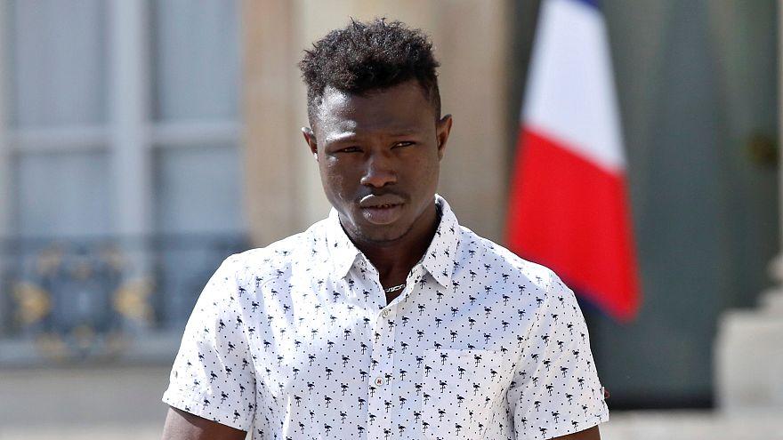 Нелегал из Мали спас ребенка во Франции