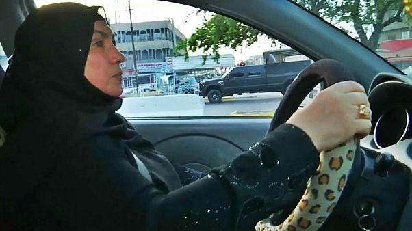 اولین زن راننده تاکسی در عراق و مقابله با کلیشههای اجتماعی